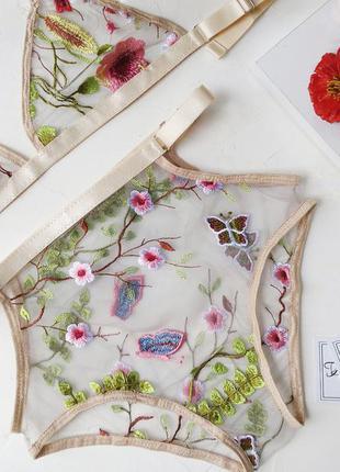 Комплект білизни з вишивки valentino