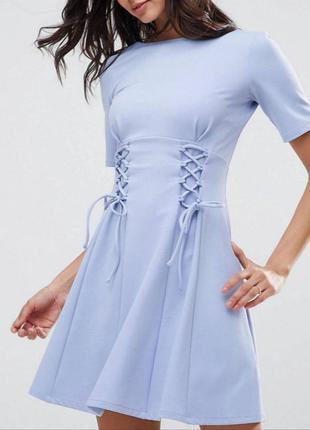 Платье со шнуровкой небесно-голубого цвета