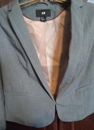 Женский укороченный пиджак