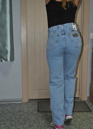 Американские джинсы бойфренды mom wrangler