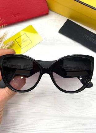 Модні сонцезахисні окуляри f e n d i2 фото