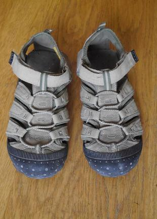 Босоніжки-кросовки розмір 35 стелька 23,3 см dockers