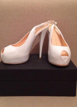 Продам туфли свадебные giuseppe zanotti design оригинал стелька 25,5 с
