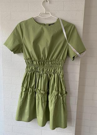Зеленна сукня на резинках