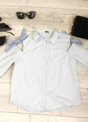 Голуба сорочка в полоску
