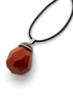 "❤️🌰 кулон на шнурке ""желудь"" натуральный камень красная яшма, сверкающая шляпка кристаллы"