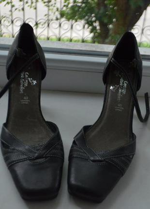 Удобные кожаные туфли везде кожа