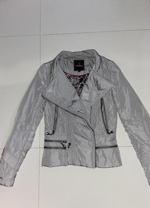 Куртка курточка косуха ветровка