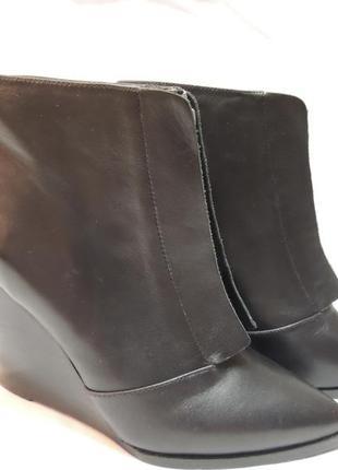 Ботинки женские от датского брнеда bianco. натуральная кожа.