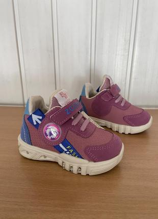 Легенькі кросівочки для дівчаток