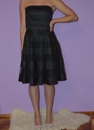 Пишне коктельне плаття бюстьє