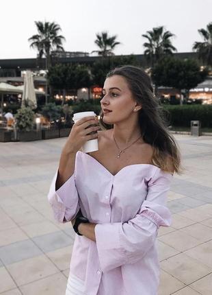 Блуза с опущенными плечами стильная