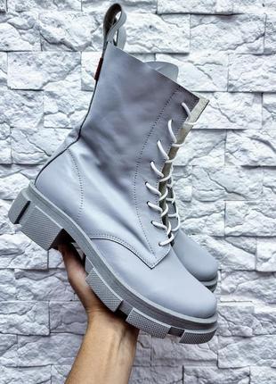 Ботинки из натуральной кожи на шнуровке серого цвета / чоботи шкіряні на платформі