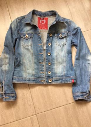 Джинсовая курточка esprit