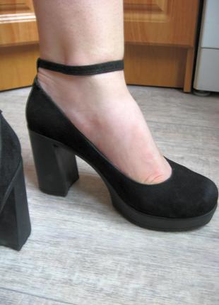 Классные замшевые туфли