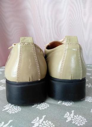 Весенние женские туфли