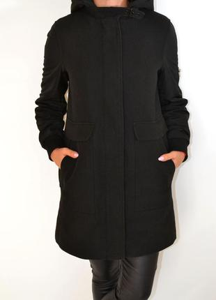 Пальто,парка  утепленная с капюшоном от zara.