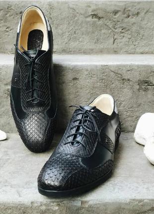 Шикарные стильные модные кожаные туфли