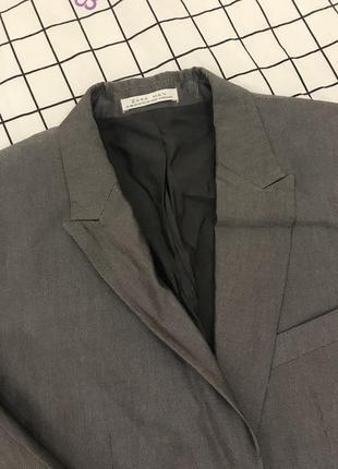 Очень стильный пиджак бренда zara размер m