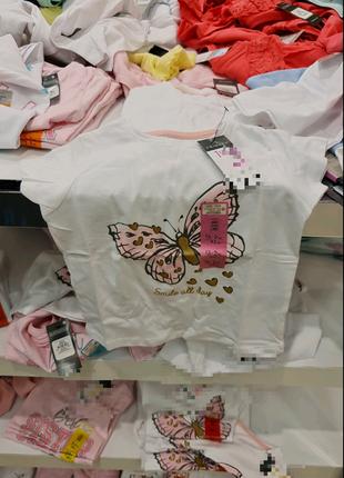 Нежная футболка с бабочкой