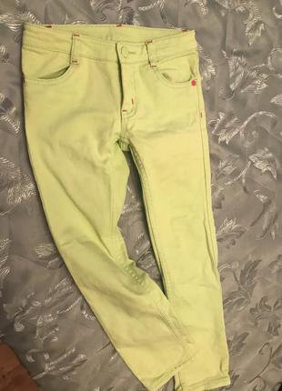 Салатовые джинсы