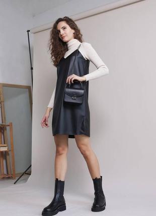 Кожаное платье, сарафан на бретелях чёрный/беж