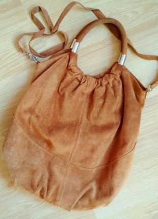 Вместительная сумка - хобо  из замши