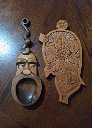 Деревянная декоративная ложка и досточка-подставка ручной работы