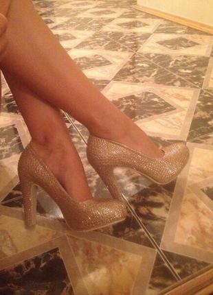 Женские туфли/бежевые туфли/средний каблук/золотистые туфли