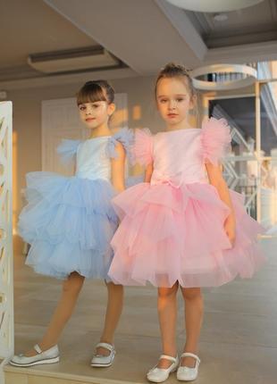 Нарядное розовое короткое  детское платье роза