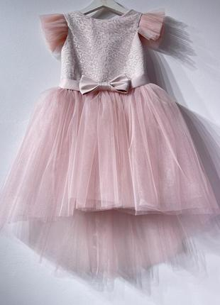 Нарядное детское  пудровое платье на праздник  кира