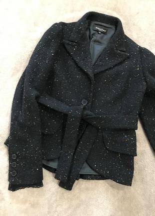 Пальто  италийского бренда adele fado