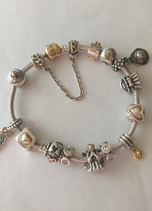 Pandora  браслет с золотой застёжкой и шармами