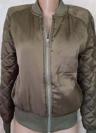 Стильная курточка цвета хаки h&m divided, размер m