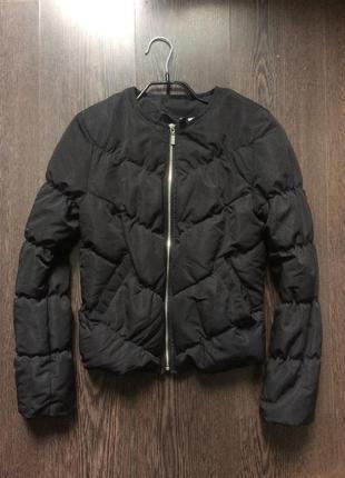 Чёрная стёганая куртка бомбер h&m