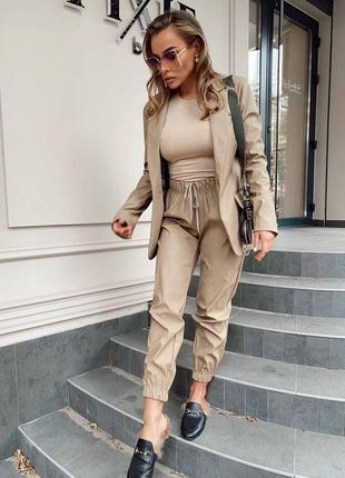 Женские стильные пиджак ( матовая эко -кожа )