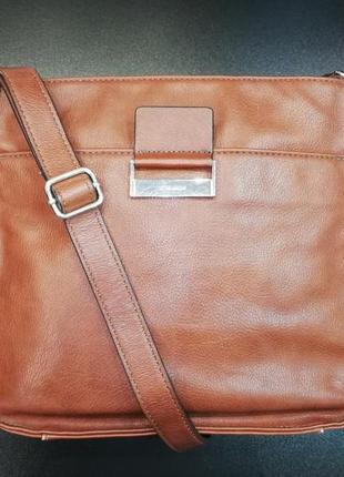 Лаконичная сумка кросс-боди цвета корицы немецкого бренда gerry weber