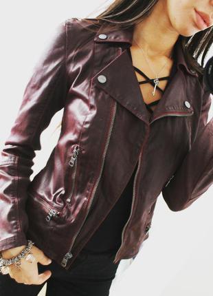 Красивая бордовая куртка косуха от armani 550 грн!
