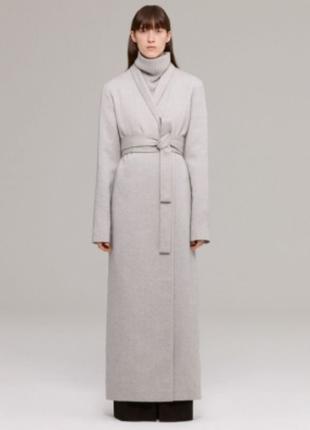 Пальто на запах из тонкой шерсти
