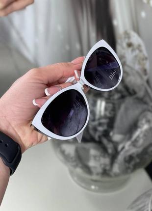 Стильные солнцезащитные очки окуляри оправа с логотипом