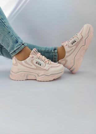 Модные весенние кроссовки