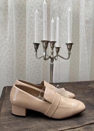 Стильные лаковые туфли лоферы h&m новая коллекция