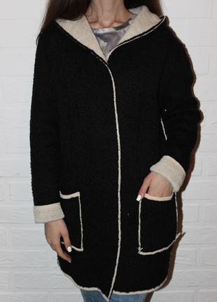 Трендовое пальто бойфренд с капюшоном