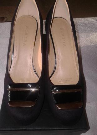 Удобные туфли на невысоком удобном каблуке