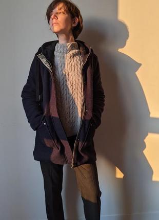 Пальто средней длинны с капюшоном