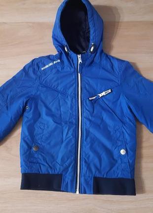 Стильна курточка від george