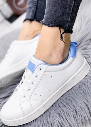 Кеды белого цвета женские новые в наличии на шнуровке