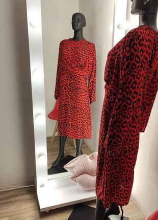 Красное роковое лепародовое платье с переплётом 💃3 фото