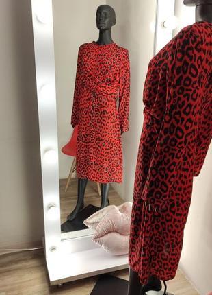 Красное роковое лепародовое платье с переплётом 💃2 фото