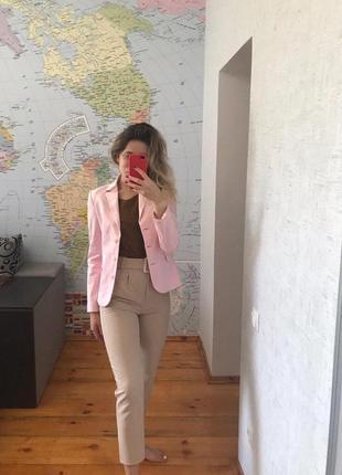 Нежно розовый пиджак женский жакет united colors of benetton